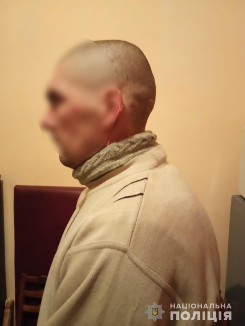 """""""Бежал, куда ноги несут"""": под Киевом мужчина перерезал горло товарищу и сбежал, фото-3"""