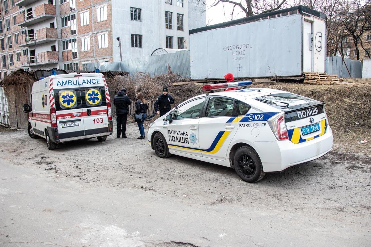 Возле церкви в Шевченковском районе столицы обнаружили тело человека, - ФОТО, фото-2, Фото: Информатор