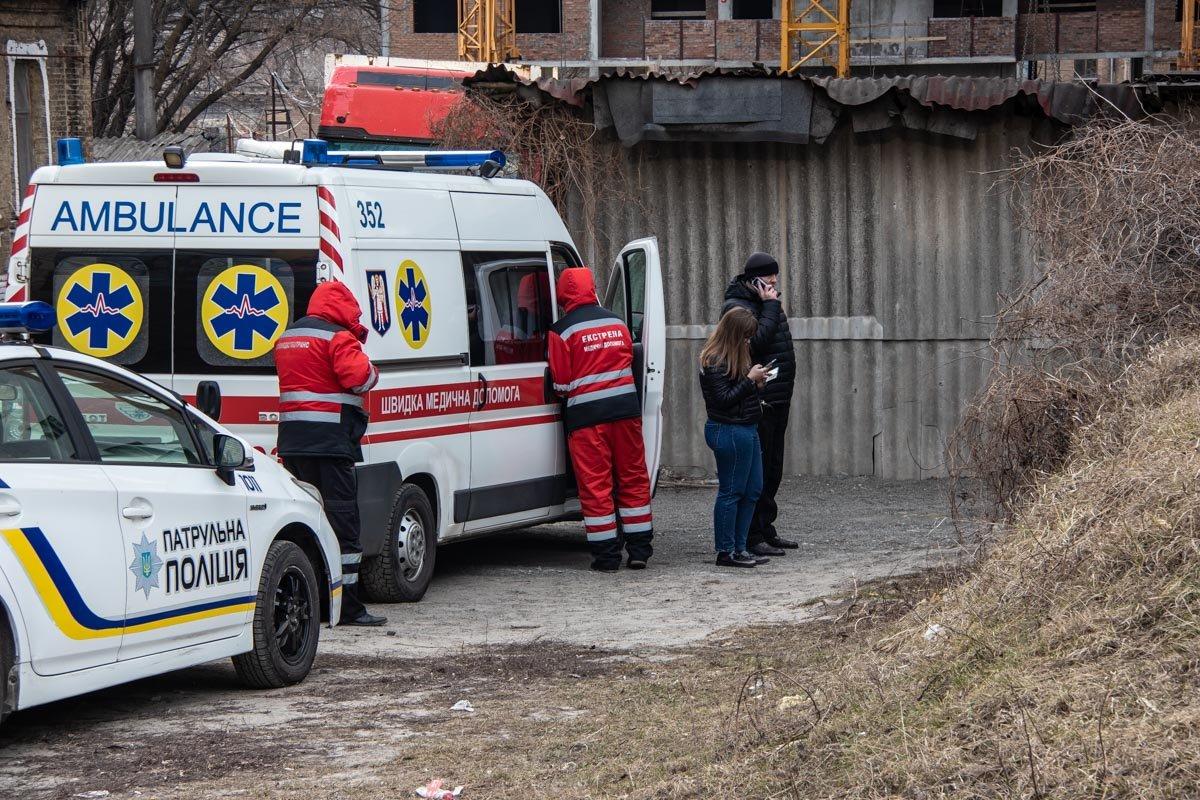 Возле церкви в Шевченковском районе столицы обнаружили тело человека, - ФОТО, фото-3, Фото: Информатор