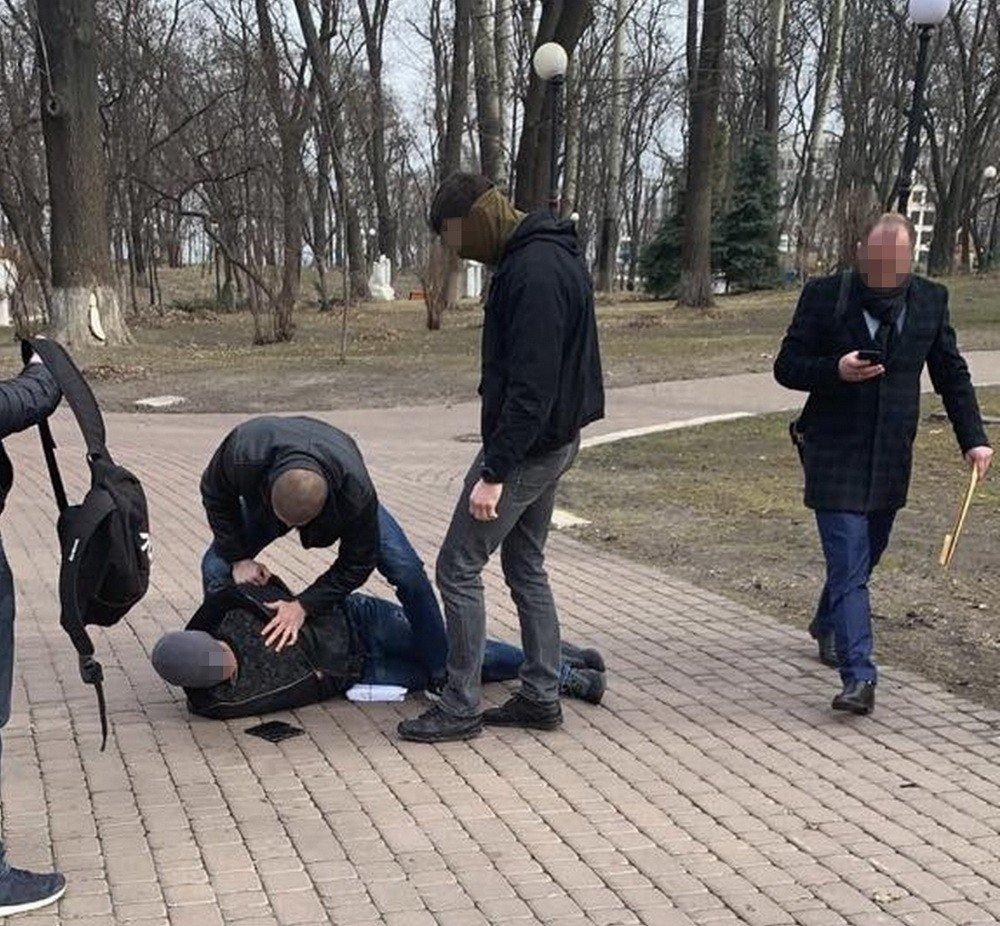 В Киеве разоблачили советника МВД на взятке от владельцев сети ломбардов, фото-4