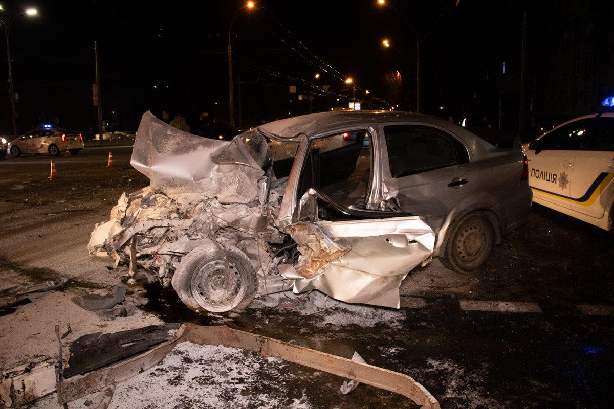 В Киеве произошла тройная ДТП с участием маршрутки с пассажирами: есть пострадавшие, - ФОТО, фото-1, Фото: Информатор
