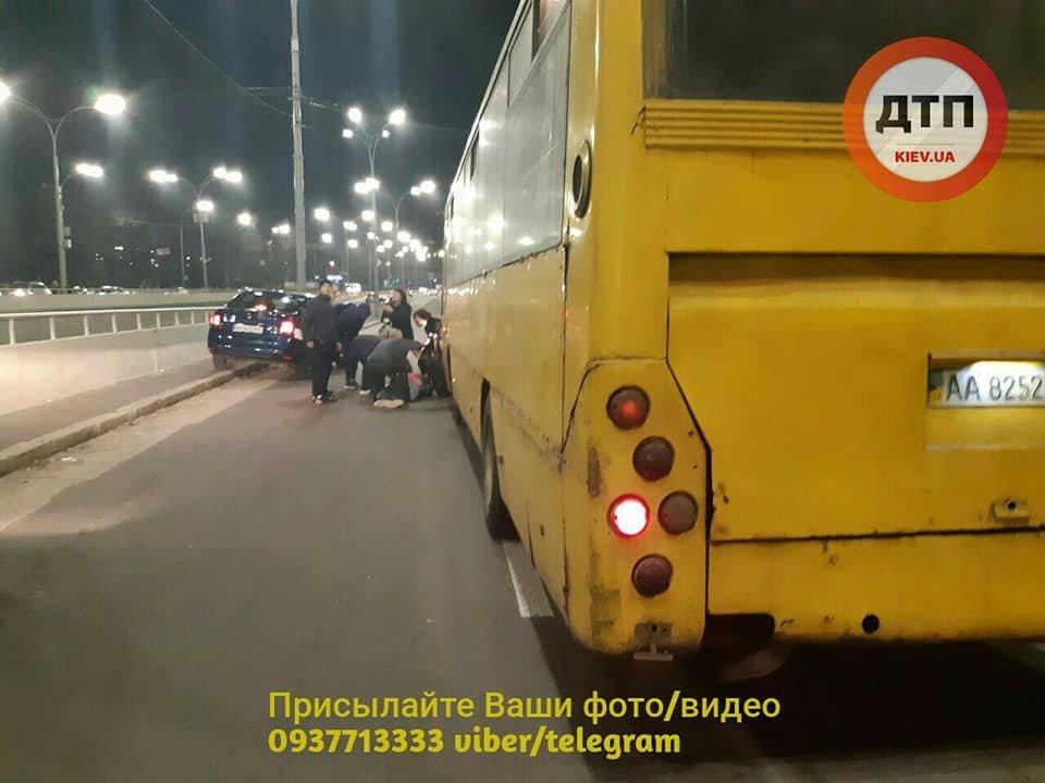 Возле Дорогожичей водитель автобуса сбил трех пешеходов: появились подробности, фото-3, Фото: facebook.com/dtp.kiev.ua