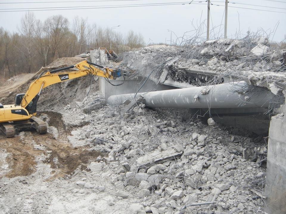 На Осокорках в Киеве сносят мост: в КГГА раскрыли детали, фото-1, Фото: facebook.com/olga.parzhitskaya