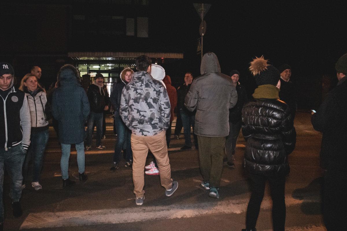 Отключили газ: жителям Соломенки пришлось блокировать дорогу из-за незаконных действий газовиков, - ФОТО, фото-2, Фото: Информатор