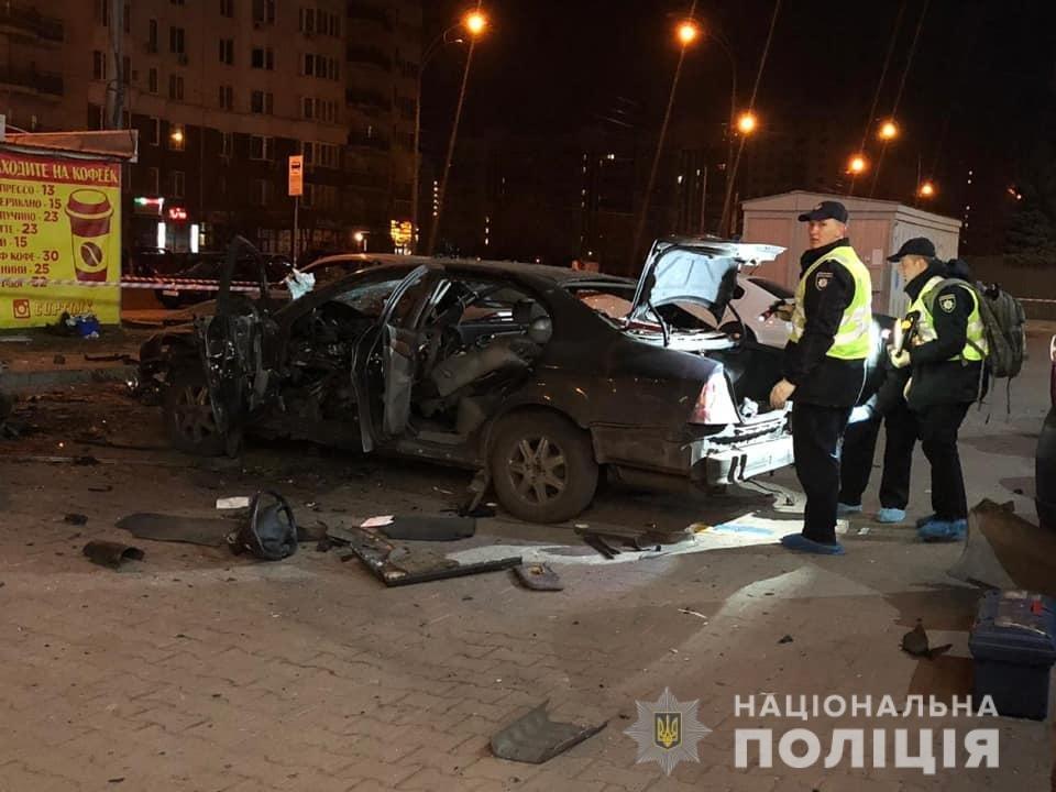 Ночью в Киеве взорвался автомобиль: есть пострадавший, - ФОТО, фото-1