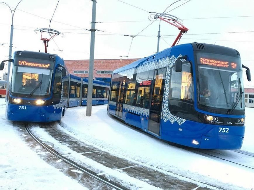 На фото трамваи Pesa, которые курсируют в Киеве с 2016 года. - Фото: Илья Сагайдак в Фейсбуке