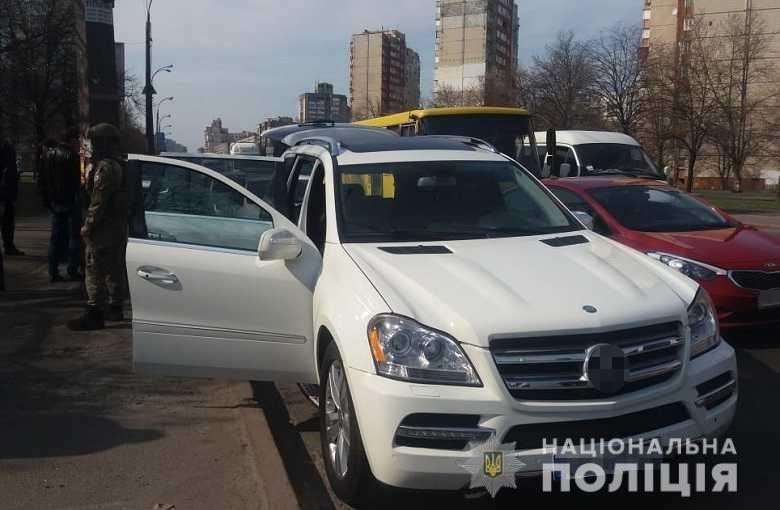 В Киеве иностранцы со стрельбой вымогали деньги от предпринимателя, - ФОТО, фото-3