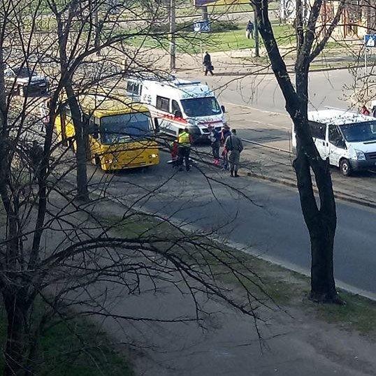 ДТП на Курнатовского - Фото: facebook.com/KyivOperativ