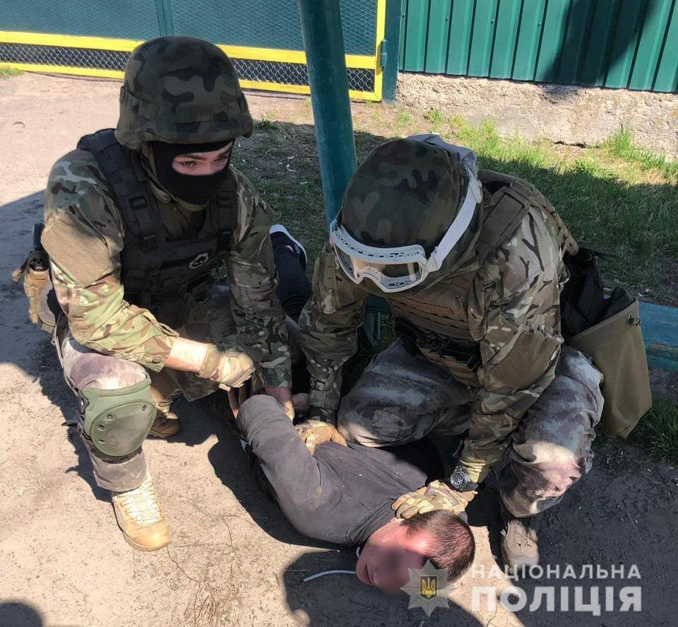 Убийство полицейского под Киевом: задержан подозреваемый, который нанес смертельный удар, фото-2
