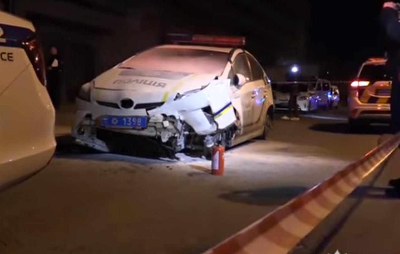 Наезд на полицейскую: 20-летнему угонщику патрульного авто сообщили о подозрении, фото-1