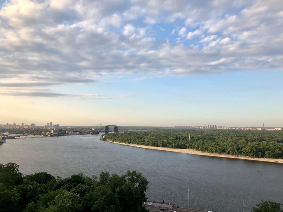 Мост и вид с моста на Киев