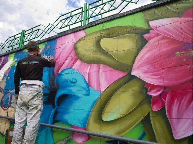 На стенах граффити: в Киеве обновили подземный переход на ВДНХ, - ФОТО, фото-4