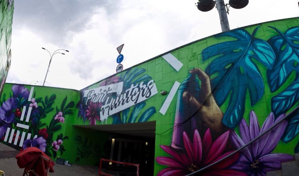 На стенах граффити: в Киеве обновили подземный переход на ВДНХ, - ФОТО, фото-3