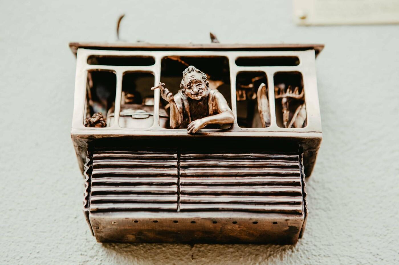 """В Киеве открыли новую мини-скульптуру проекта """"Шукай"""": ее посвятили застекленным балконам, - ФОТО, фото-2, Фото: Ekaterina Voronina"""