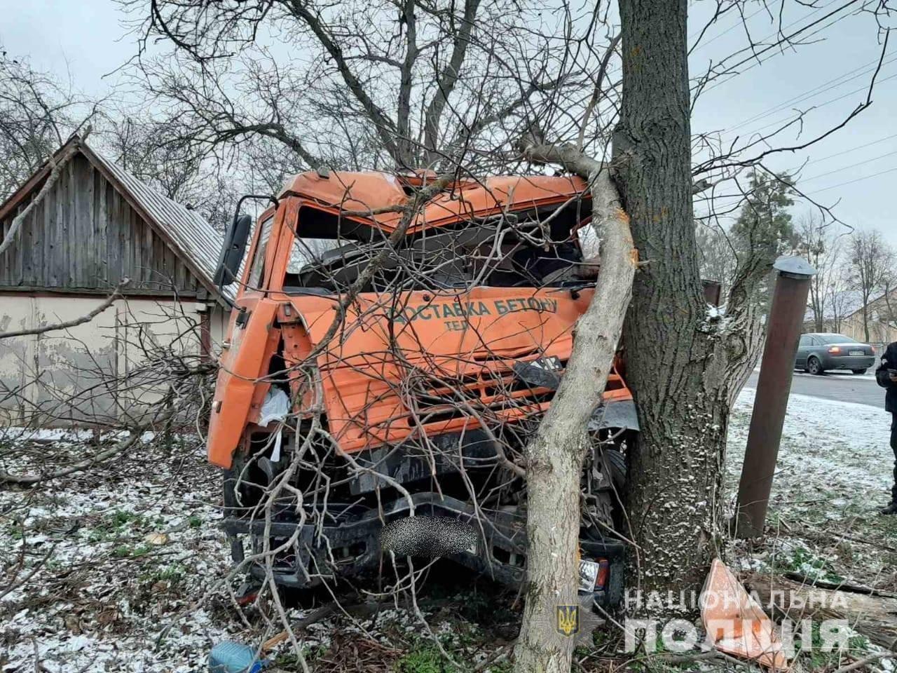 На Киевщине в ДТП попала бетономешалка: погиб водитель, - ФОТО, фото-1