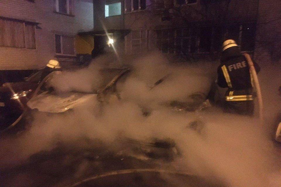 В Дарницком районе Киева горело три автомобиля, - ФОТО, фото-1