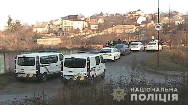 В Киеве возле озера нашли мертвую женщину рядом с ее автобилем: детали, фото-3
