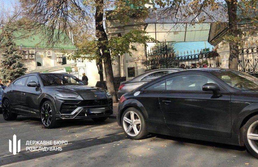 У народного депутата в Киеве обнаружили 6 элитных авто: его подозревают в хищении 200 млн грн, фото-4