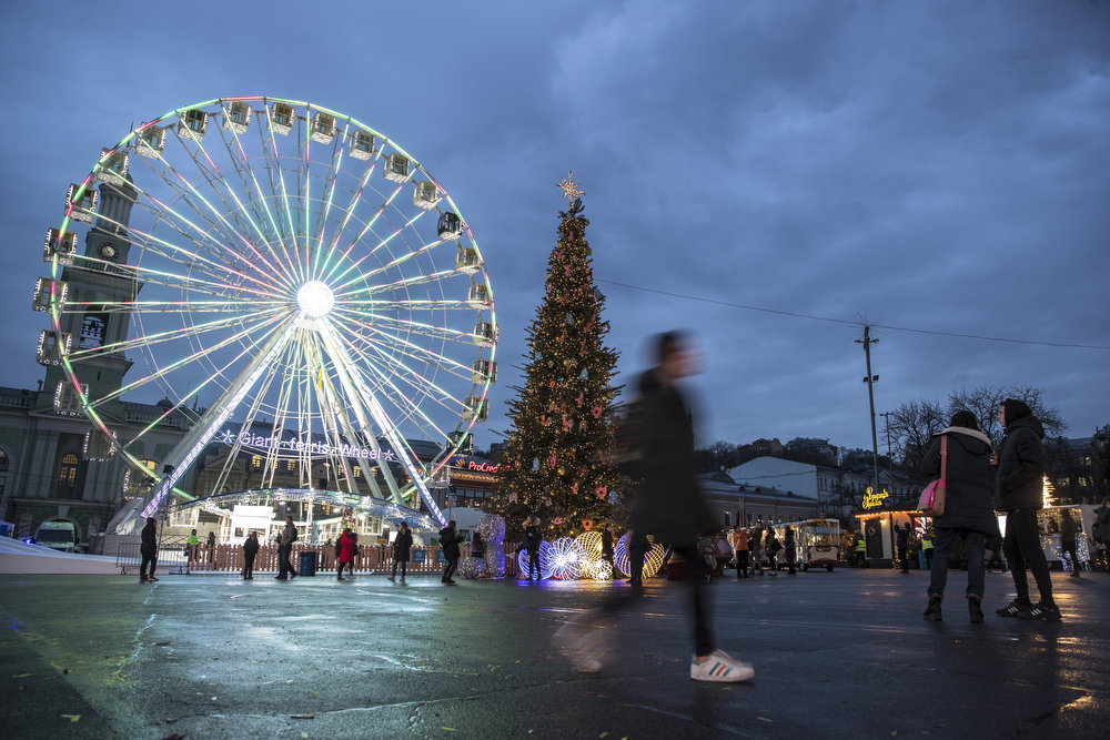 Как выглядит Киев накануне новогодне-рождественских праздников, - ФОТО, фото-13