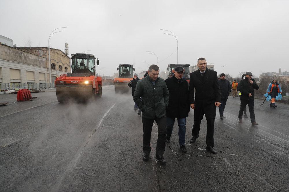 В Киеве испытали на прочность Шулявский мост, присутствовал Кличко, - ФОТО, фото-3