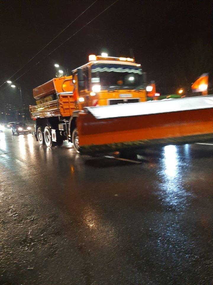 В Киеве работало более 170 снегоуборочных машин,- ФОТО, фото-3