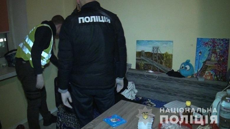 В Киеве на Печерске разоблачили бордель, замаскированный под массажный салон, фото-1