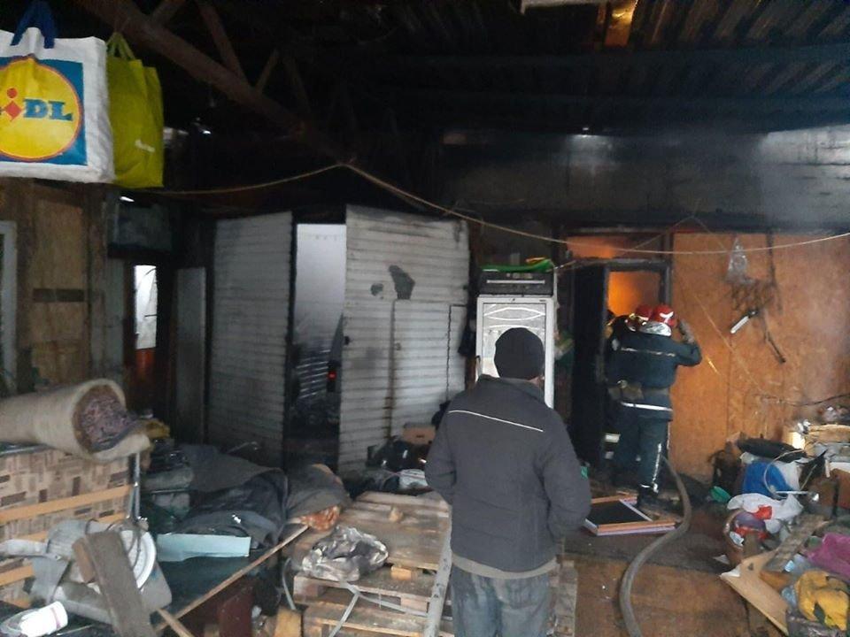 На проспекте Науки в Киеве горела СТО, - ФОТО, фото-1, Фото ГСЧС в Киеве