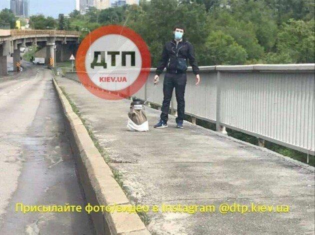 """Полиция задержала """"минера"""" моста Метро в Киеве, - ВИДЕО, фото-1"""