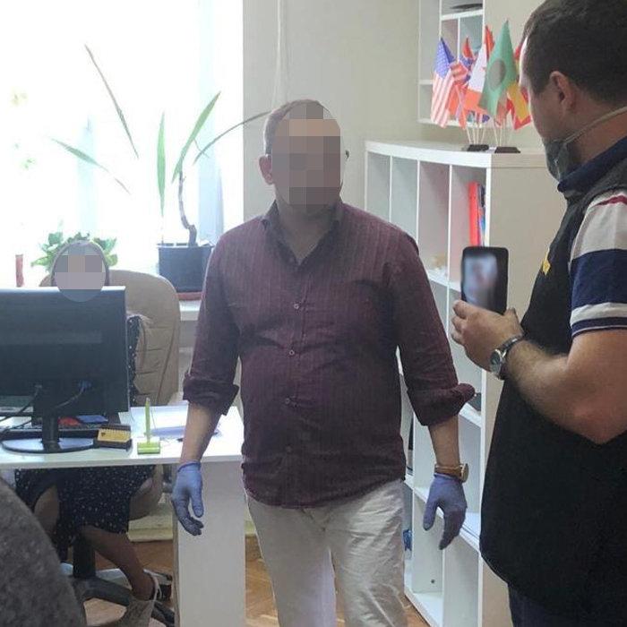 В Киеве проректор университета задержан на взятке в 224 тыс. грн, - ФОТО, фото-2