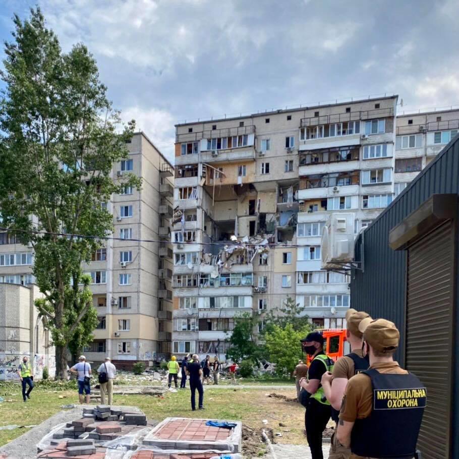 Взрыв дома в Киеве: здание может обрушиться, фото-2, Фото Муниципальной варты