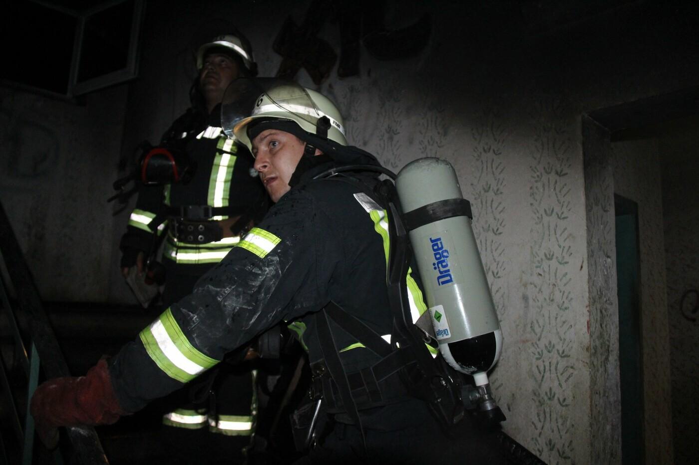В Киеве на Троещине горела девятиэтажка: из-за пожара эвакуировали жильцов , - ФОТО, фото-4