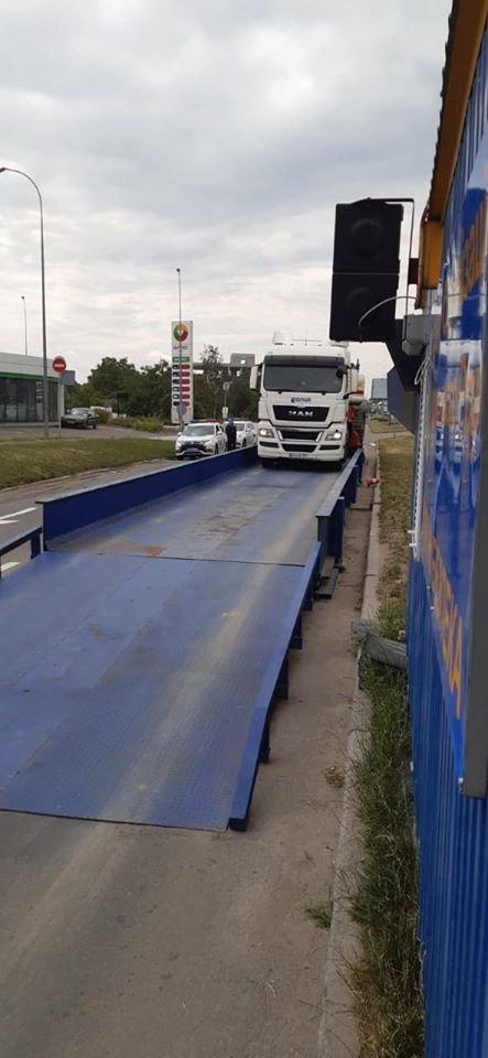 В Киеве водителю грузовика выписали штраф в 6500 евро за перегруз, фото-2