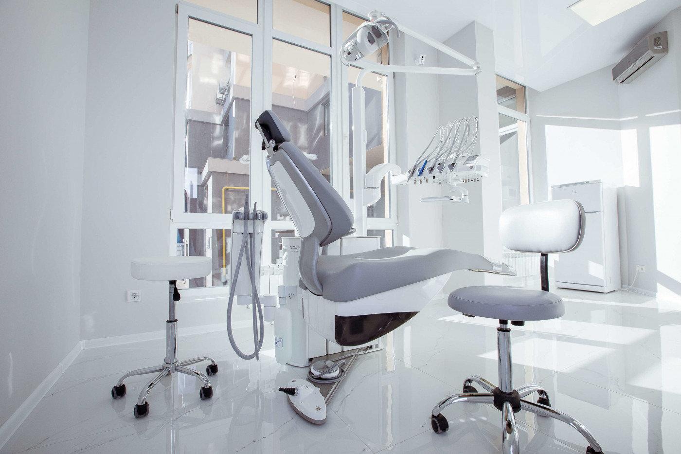 Лучшие стоматологические клиники Киева, безболезненное лечение зубов в столице, фото-41