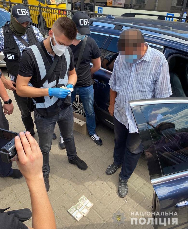 Чиновника Киевской ОГА поймали на взятке в 200 тыс. грн - ФОТО, фото-1