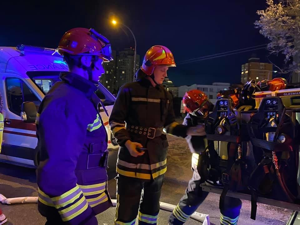 ДТП в Киеве: на Оболони произошло лобовое столкновение - ФОТО, фото-2