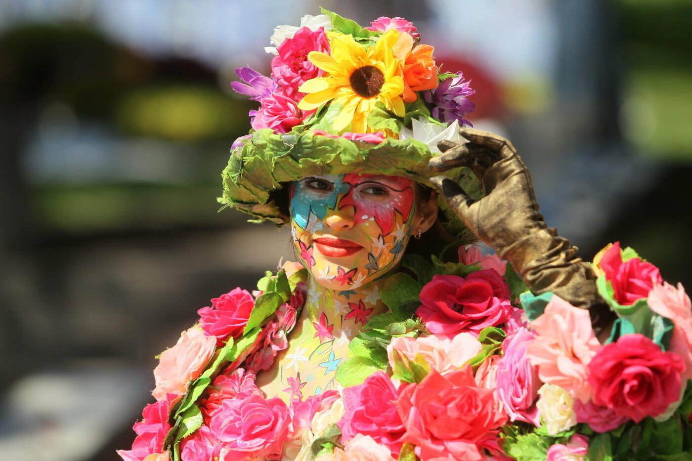 В Киеве на Певческом поле проходит выставка цветов «Мульт-ленд» - ФОТО, фото-1
