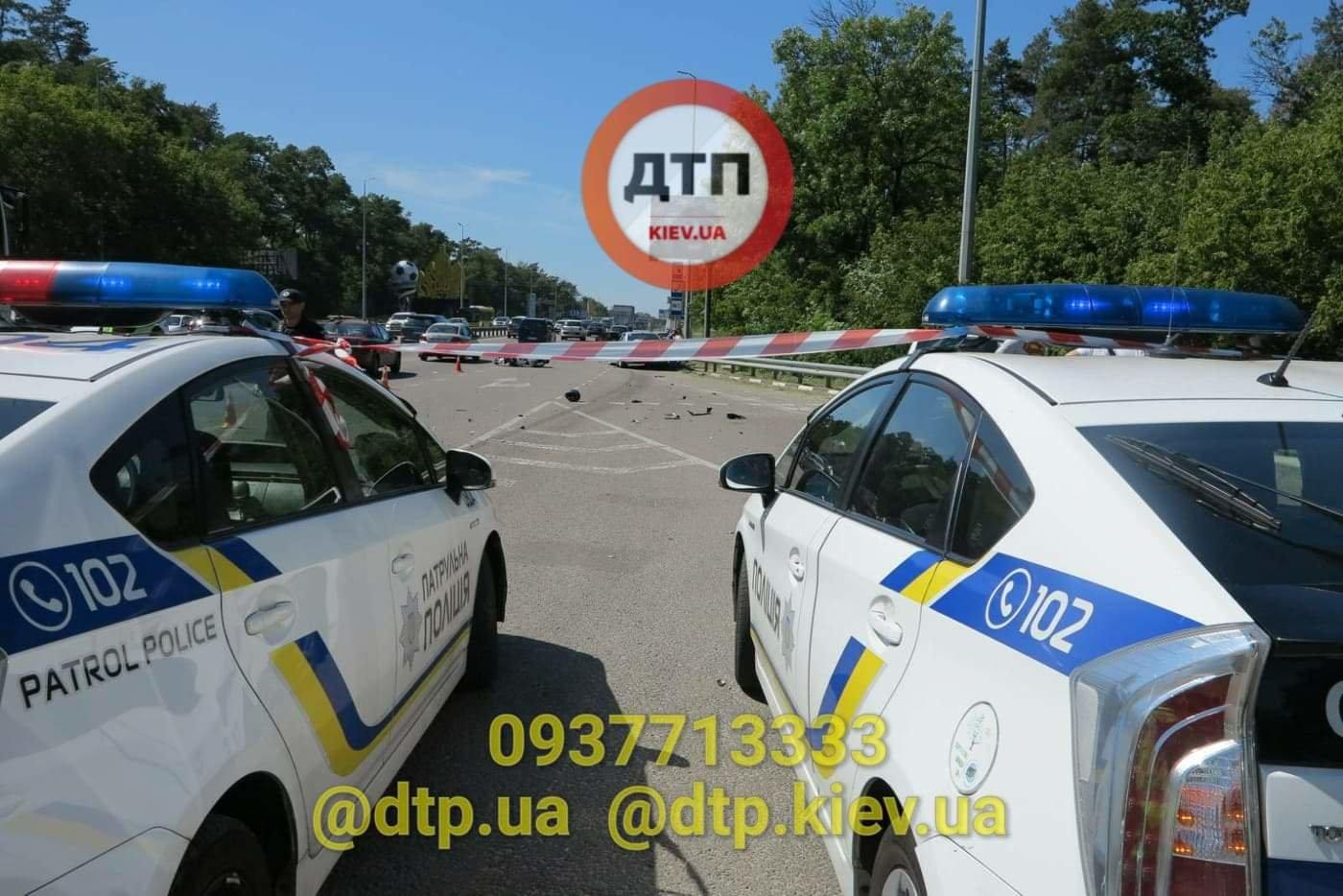 В Киеве произошло серьезное ДТП: легковушка сбила мотоциклиста - ФОТО, фото-2