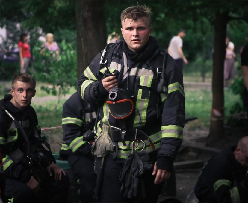 В Киеве во время пожара на Воскресенке погиб квартирант  , фото-3