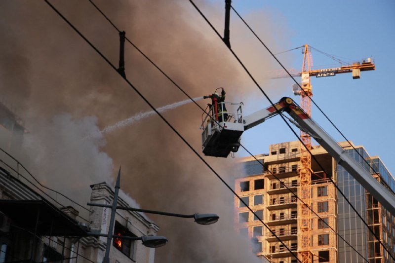 В жилом доме в центре Киева произошел пожар, фото-2
