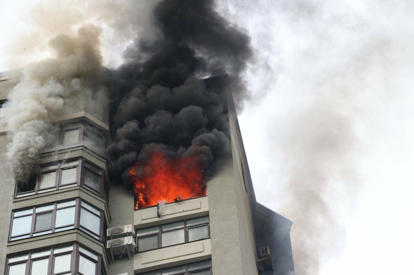 В Киеве во время пожара в многоэтажке заживо сгорел мужчина - ФОТО, фото-5