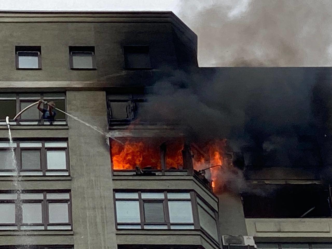 В Киеве во время пожара в многоэтажке заживо сгорел мужчина - ФОТО, фото-1