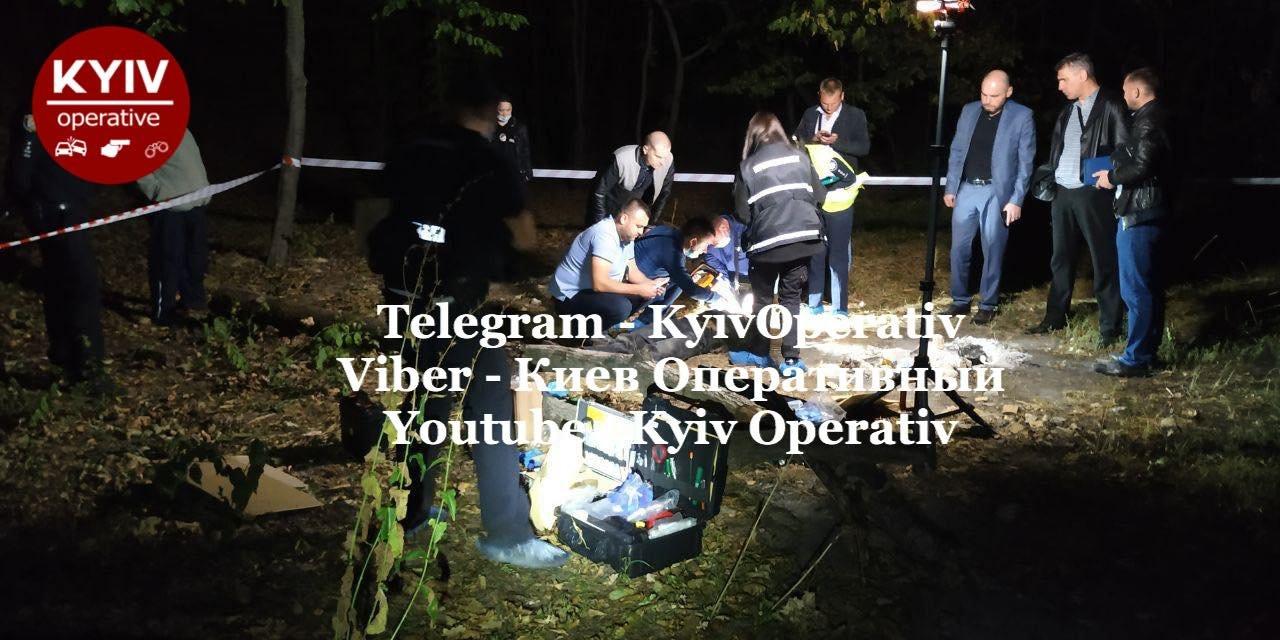 В Киеве на Лысой горе нашли тело мужчины с ножницами в шее, ФОТО, фото-1