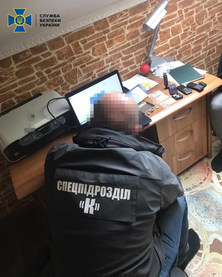 Под Киевом обнаружили две фабрики поддельных документов - ВИДЕО, фото-3
