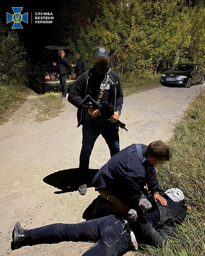Под Киевом хотели убить и ограбить столичного бизнесмена - ФОТО, фото-2