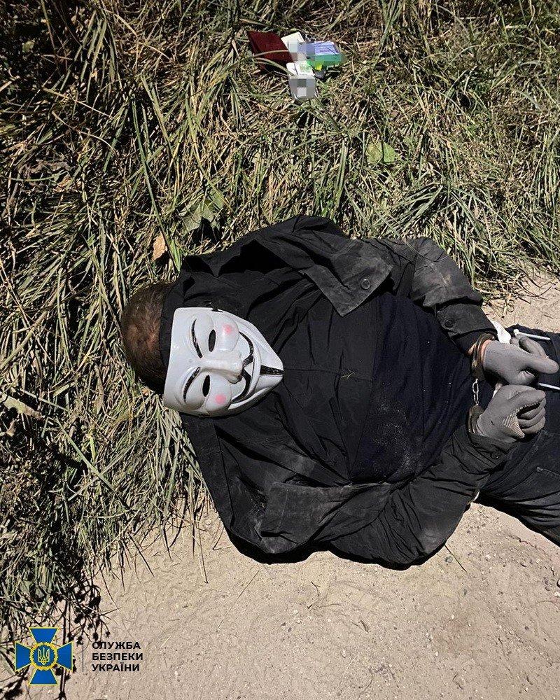 Под Киевом хотели убить и ограбить столичного бизнесмена - ФОТО, фото-1