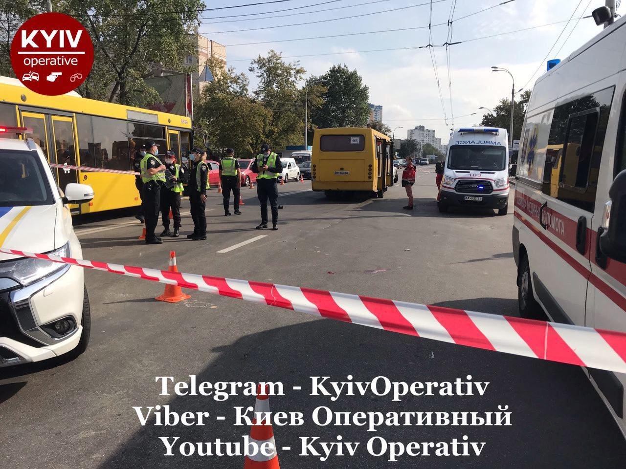 В Киеве на Виноградаре произошло смертельное ДТП с участием маршрутки, ВИДЕО, фото-5