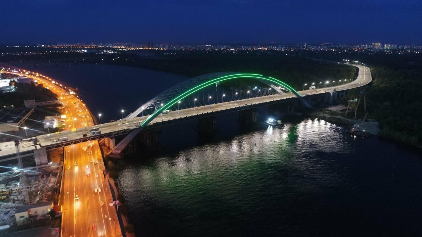 Как выглядит новая подсветка на Подольско-Восресенском мостовом переходе, - ФОТО, фото-1, Фото Павла Авдокушина