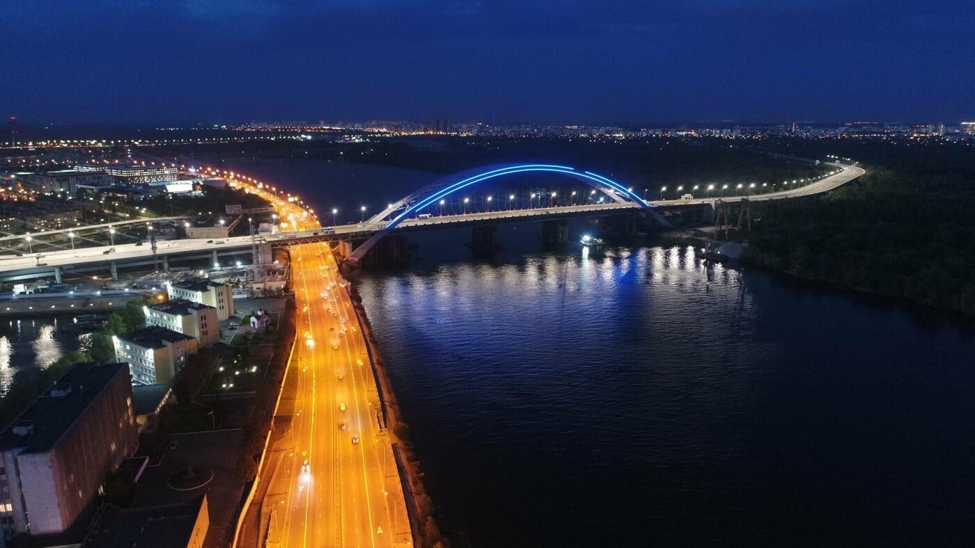 Как выглядит новая подсветка на Подольско-Восресенском мостовом переходе, - ФОТО, фото-3, Фото Павла Авдокушина