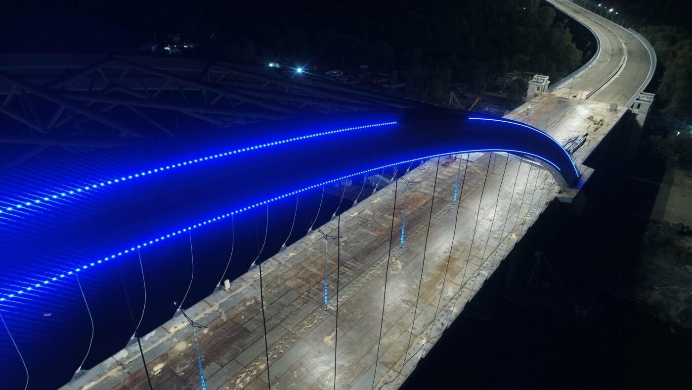Как выглядит новая подсветка на Подольско-Восресенском мостовом переходе, - ФОТО, фото-6, Фото Павла Авдокушина