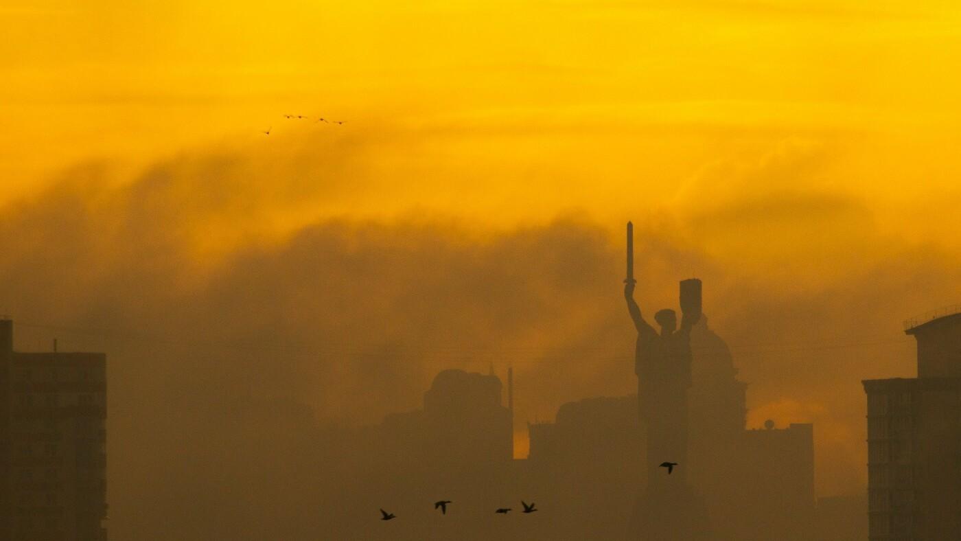 Туман в Киеве: жители столицы показали захватывающие фото ночного города , фото-2, Фото: Vladyslav Sodel